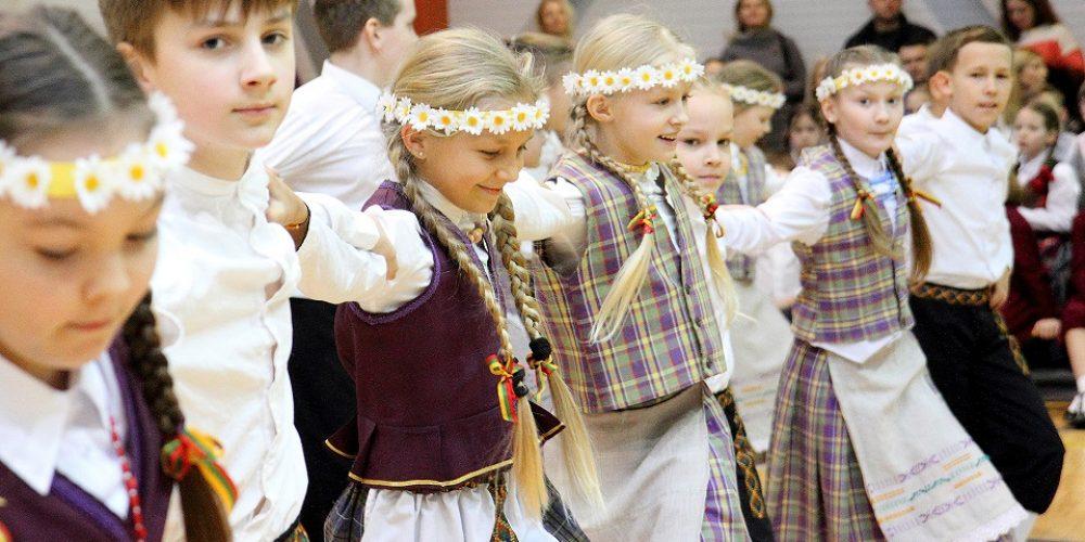 Puiki lietuvių šokių šventė!